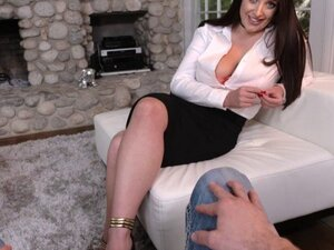 Busty MILF Angela White enjoys foot fetish with