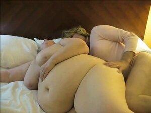 Fat wife having lesbian pleasure