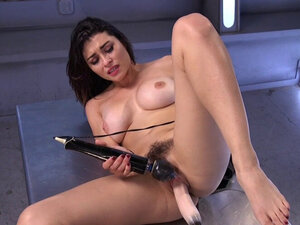 Hairy pussy hottie takes fast machine