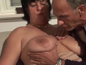 Mature couple going down by DeutschePrivatvideos