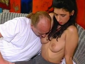 Dude Gets His Dick Sucked And Cums On Whore's