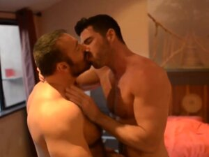Ripped stud assfucked by bear, Ripped stud