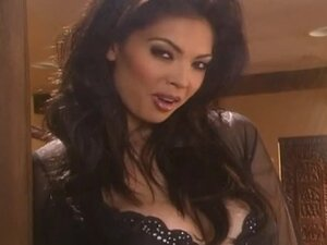 Pornstar Tera Patrick Playing With Herself in