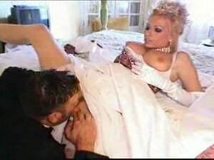 Michelle Thorne as Titney Spheres - The Wedding