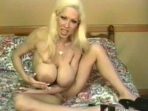 Big Tittied Blonde MILF Elizabeth Starr