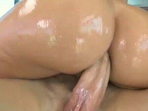 Jada Stevens has a big ass to get fucked