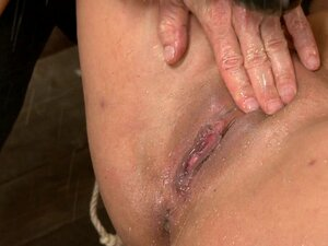 Unfuckingbelievable Soaking Wet Squirting Snatch