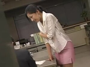Japanese office beauty must fuck co worker