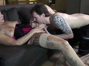 This horny mommy is a dirty one! This filthy milf