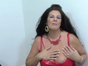 Big natural Tits Mature babe masturbate in sexy