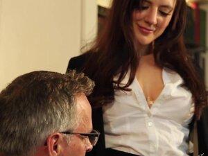 JOYBEAR Sexy Secretary Samantha Bentley rewarded