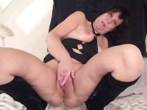 Horny mature mom is pleasuring her pussy part5