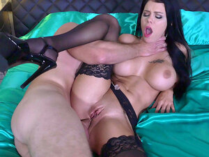 Peta Jensen anal fucked for the first time,