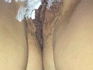 Shaving my wife pussy