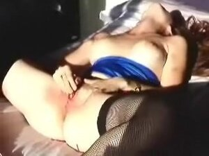 Wanking chicks with toy in my hotel room as I film