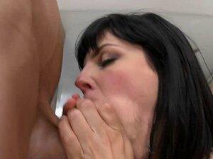 Drilling Curvy Whore Bobbi Starr