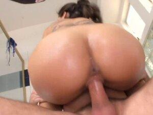 Exquisite pussy banging