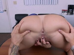 Attractive phat butt latina milf wants to get