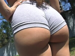 Bubble Butt Teen Working Out