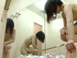 Asian stays nude in changing room after sport