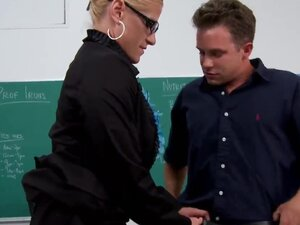 Sexy blonde MILF Amber Irons finished the last