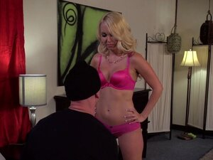 Blonde Aaliyah Love being fucked by Johnny Sins