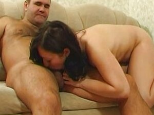 Daughter knows how to seduce her dad