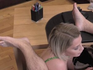 Butt plugged blonde sucks fake agents dick