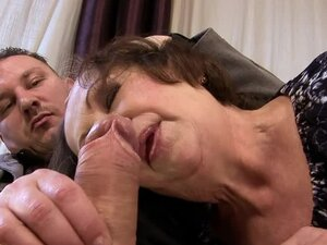 Eve Tickler blows and gets fucked in cowgirl