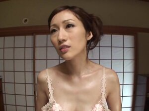 Arousing Japanese mature babe Julia gives a foot
