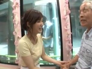 Candid young japan girl be seduced by old man,